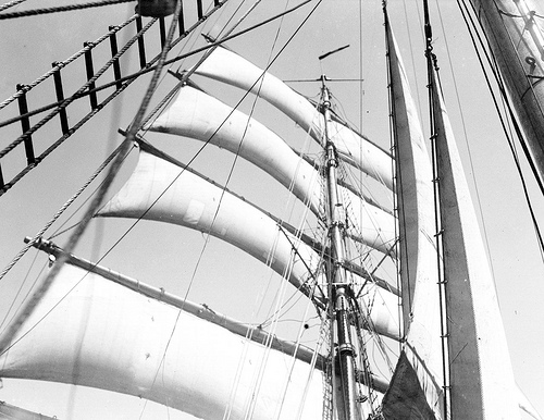 The mizzen mast with all aback, 1932–33