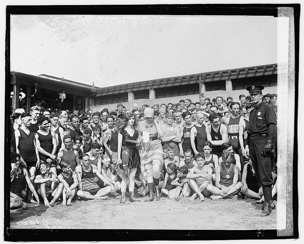 02045v---bathing beauty contest 1920 via loc gov swimming