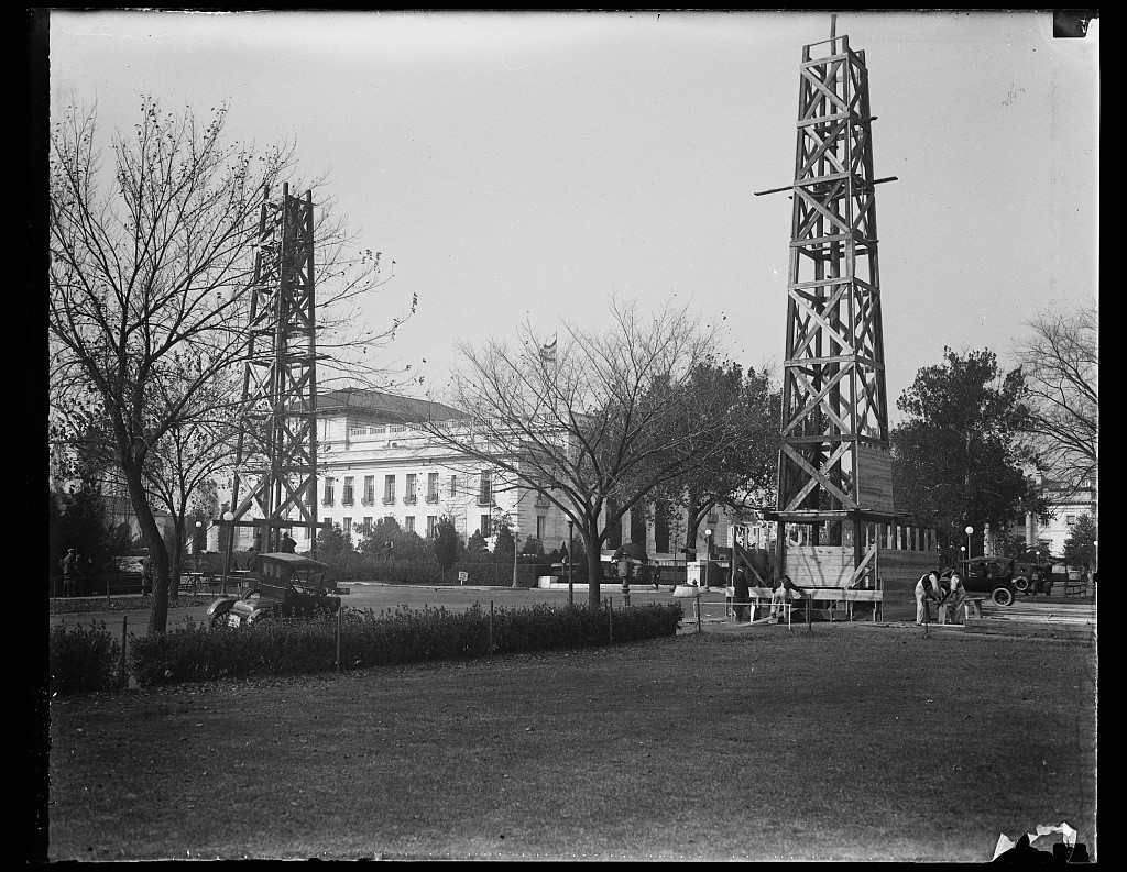 16215238728_8c4f140114_o Oil Drilling On University of Texas Campus