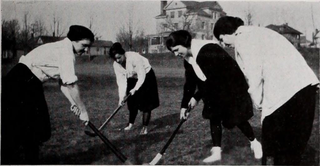 14785557763_8e671dc87c_o----indiana-university-field-hockey-1921-archive org-sports