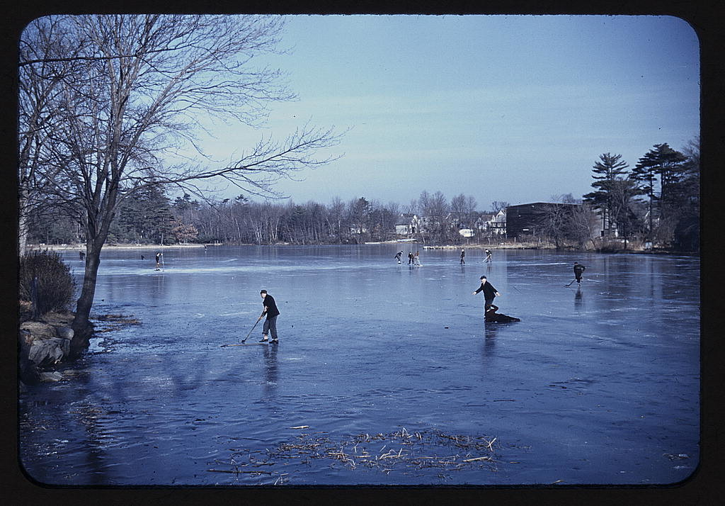 2178251517_89c241f9f9_o----loc-ice-hockey-frozen pond-winter sport