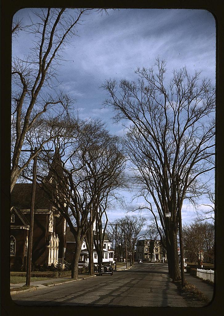 LOC - 1930s -1940s - Street scene, [Mystic, Connecticut]  (LOC) 2179042594