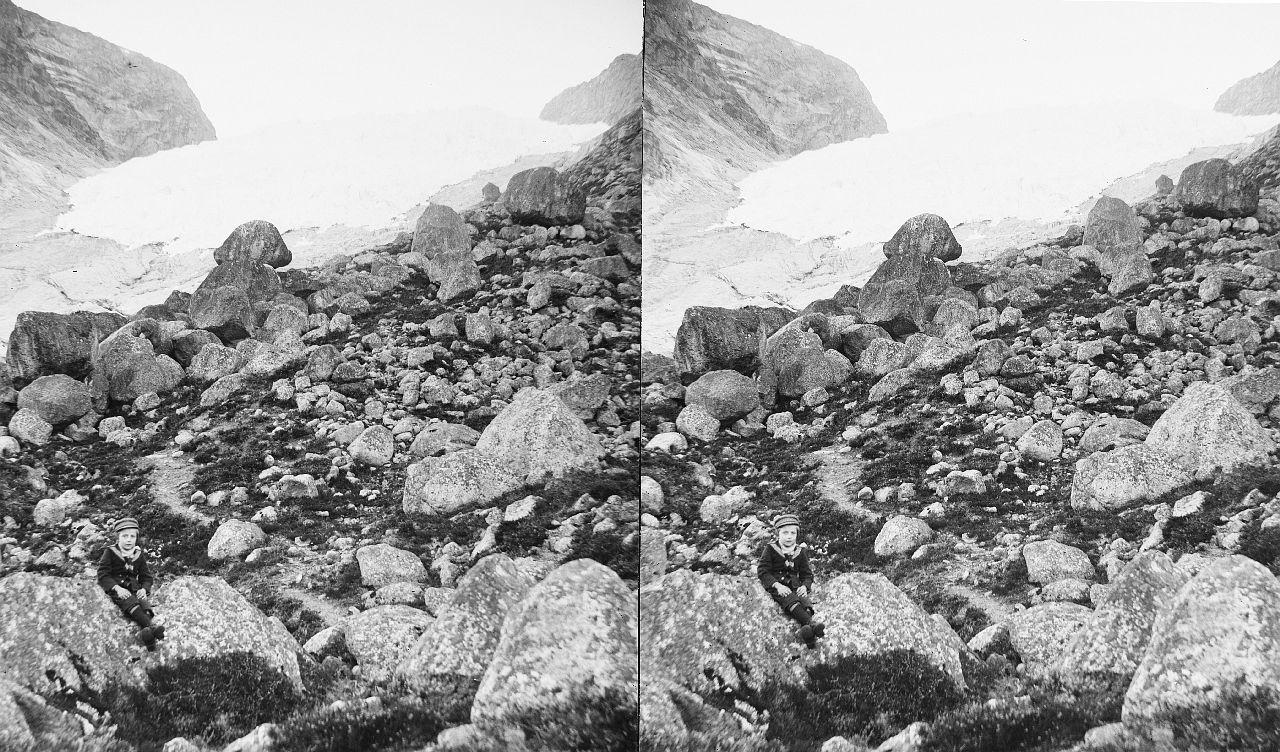 Fylkesarkivet i Sogn og Fjordane-stereo view-Bergsetbreen glacier, ca. 1898. 12608931795