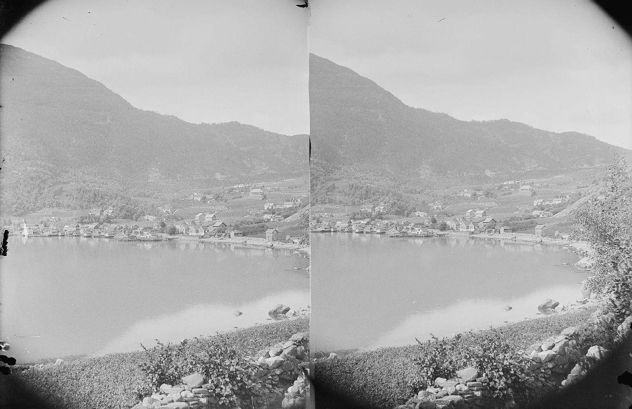 Fylkesarkivet i Sogn og Fjordane-stereo view-Solvorn, ca. 1898. 12609016293