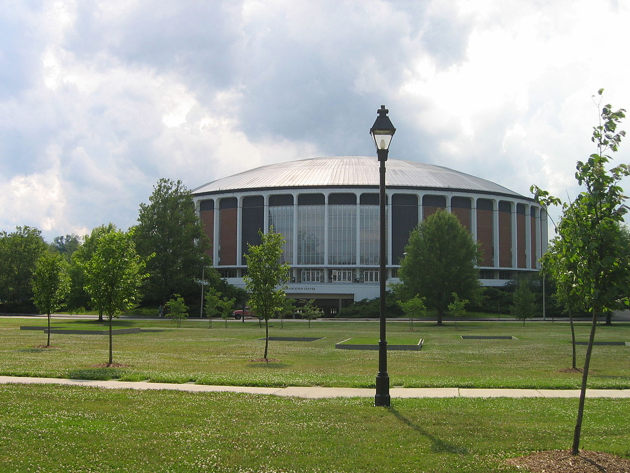 Convocation Center at Ohio University - Courtesy Greenstrat via Wikimedia Commons