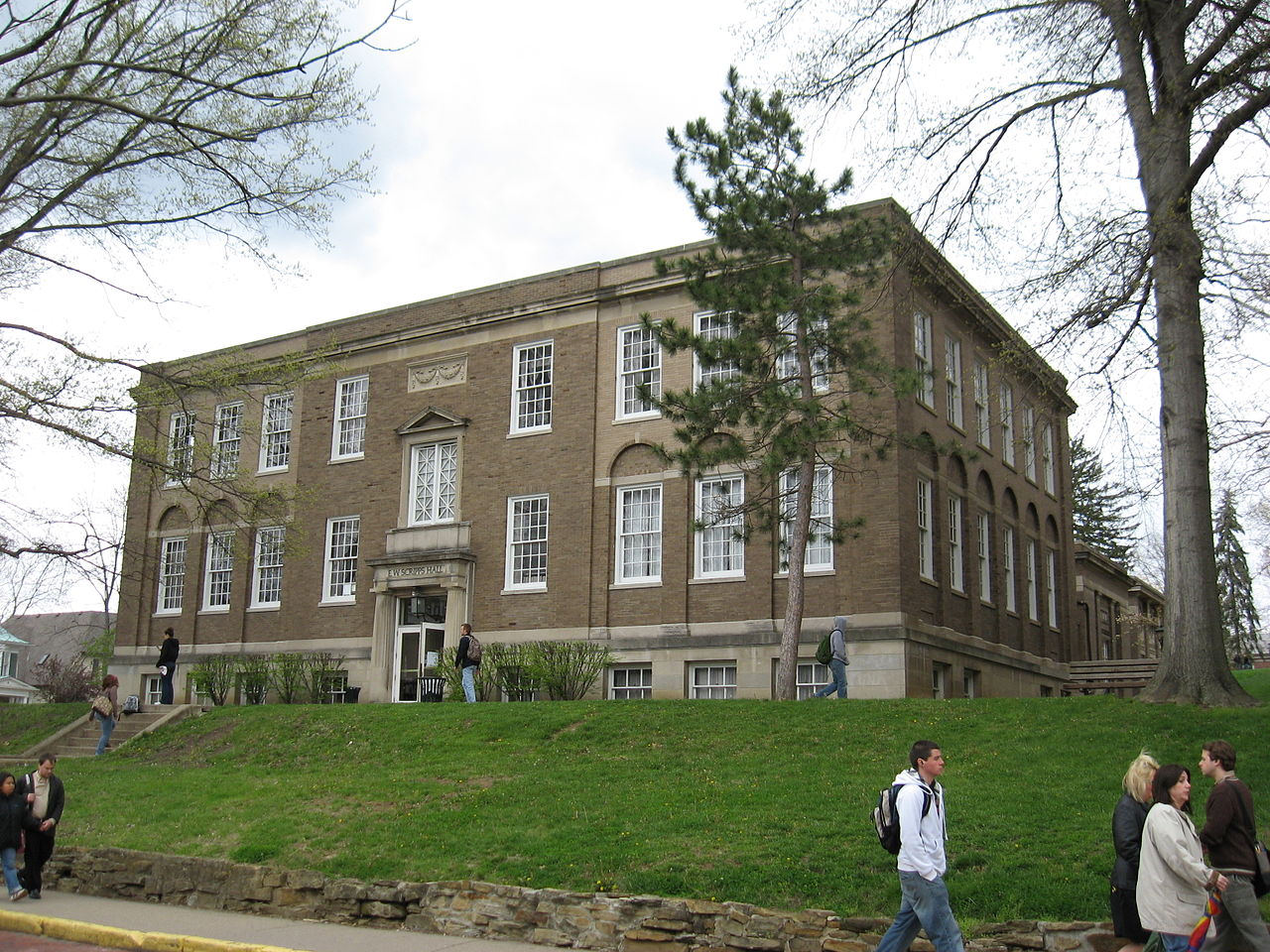 Scripps Hall at Ohio University - Courtesy Ed via Wikimedia Commons
